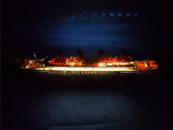 "RMS Titanic Limited 30"" w/ LED Lights Model Cruise Ship"